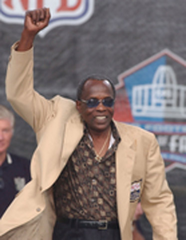 Deacon Jones at the Pro Football Hall of Fame induction ceremony.