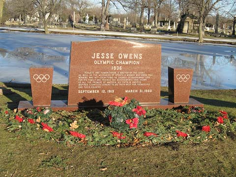 Owens died of lung cancer in 1980