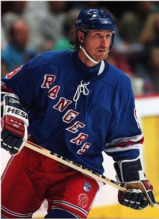 Wayne Gretzky New York Rangers action.